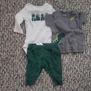 Newborn outfit set